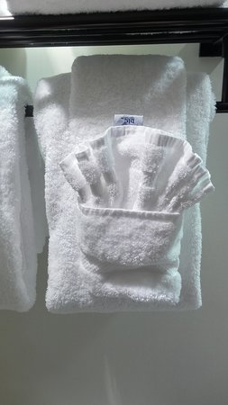 Bolton Valley, VT : The cute way they fold the towels