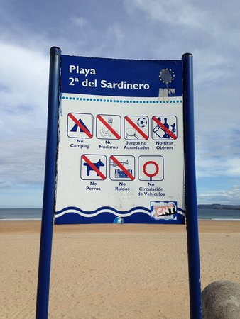 Playa Primera de El Sardinero: Beach sign