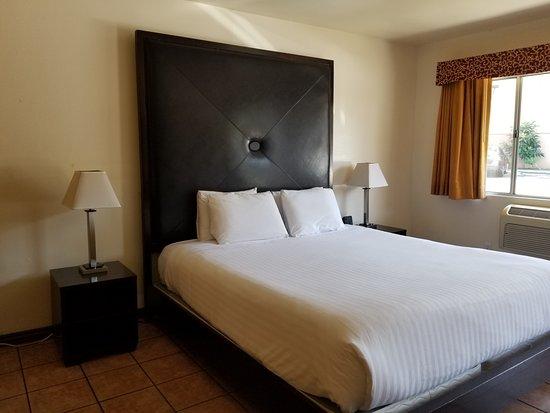 Casa Bella Inn : King room