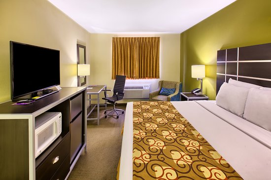 Knightdale, NC: One King Bed Presidential Suite