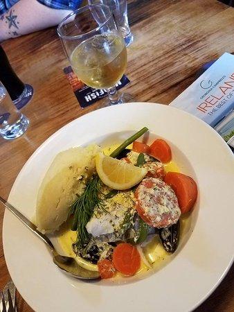 Crosshaven, Irlanda: Fish pie - THAT SAUCE! YUM!