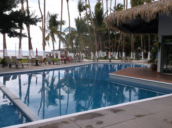 La Concha Beach Resort: Pool.