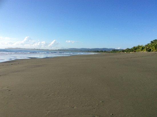 Agua Dulce Beach Resort: Unspoiled beach