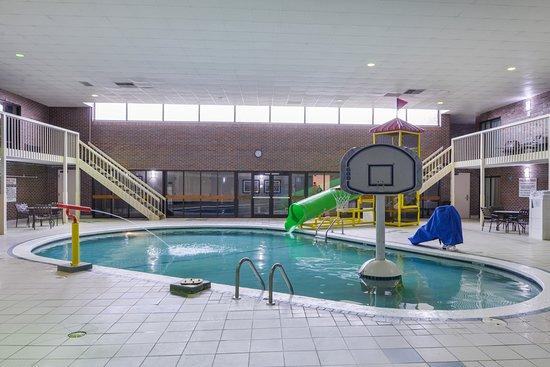 Foto de best western kelly inn yankton indoor pool area for Best western lee s motor inn