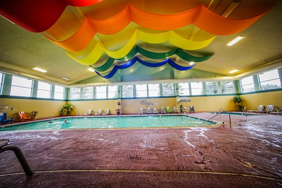 Kalkaska, MI: Our heated Indoor Water Oasis features large swimming pool, over-sized hot tub with adult only h