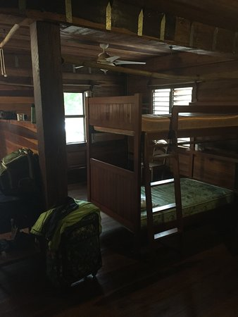 Long Caye, Belice: another sleeping area on bottom section