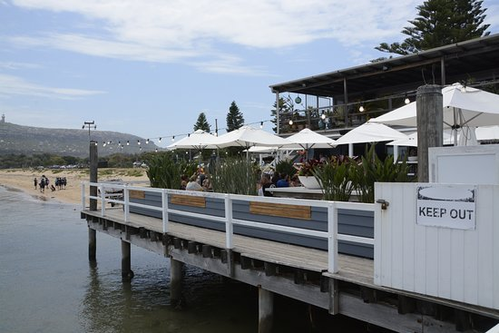 Palm Beach: Cafe on Jetty where sea planes fly from