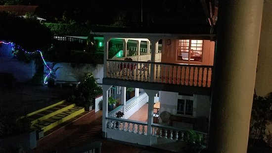 Marigot, دومينيكا: 20170604_200947_large.jpg