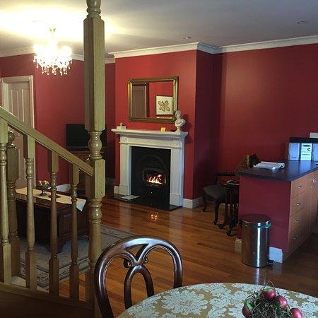 Aldermere Estate Luxury Accommodation: photo1.jpg