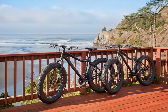 Agate Beach Motel: Guests can enjoy complimentary bike rental for beach cruising.