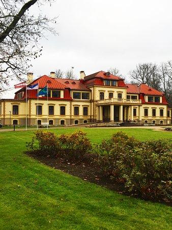 Dikļi Manor