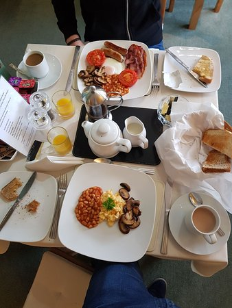 Castlecroft: The amazing breakfast