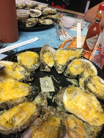 Hunt's Oyster Bar & Seafood Restaurant: Best thing in PCB!!!