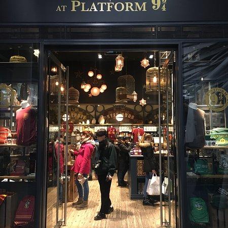 5fb2e2b4ea5 Harry Potter Shop - Picture of Harry Potter Shop at Platform 9 3 4 ...