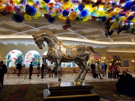 Bellagio Las Vegas: Front Desk, Chihuly Blown Glass Platters Over Mirroned  Stallion