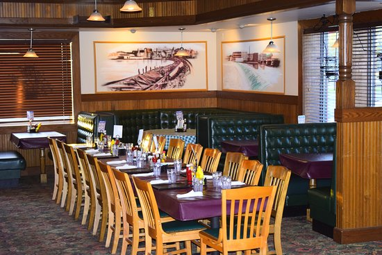 Rock Falls, IL: Restaurant Seating Area