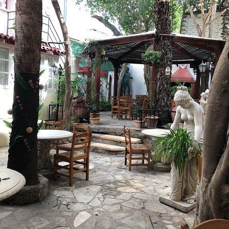 Kiniras Hotel照片