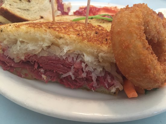 Allison's Country Cafe: Grilled Pastrami & Sauerkraut on Rye