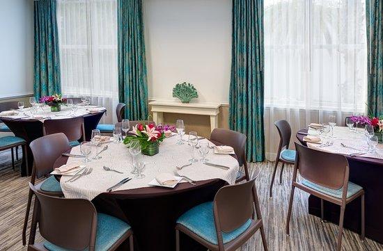 Hotel Indigo Sarasota Fl Dining Room