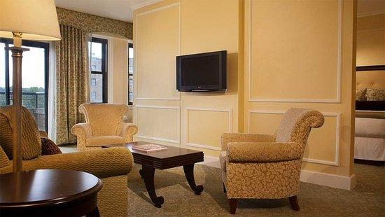 Omni Shoreham Hotel: Business center