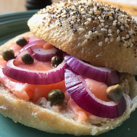 Canela Antigua: Homemade granola, bagel sandwiches, Valentine's treats and so much more good stuff!