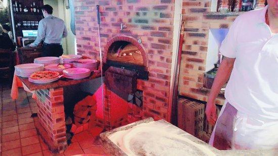 Da Paolo : 披薩烤爐,現場演示