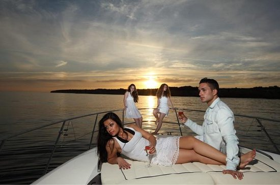 Private Yacht Hire - Sunset Sangria