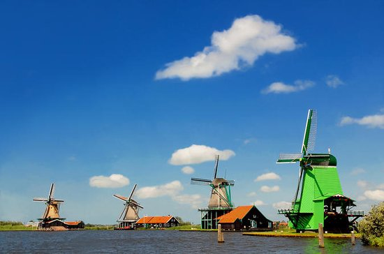 Private Marken, Volendam and Windmill...