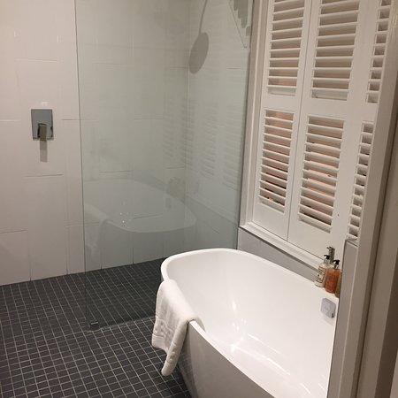 More Quarters Hotel: photo1.jpg