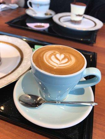 Sakura coffee Wakayama Kokutai Road