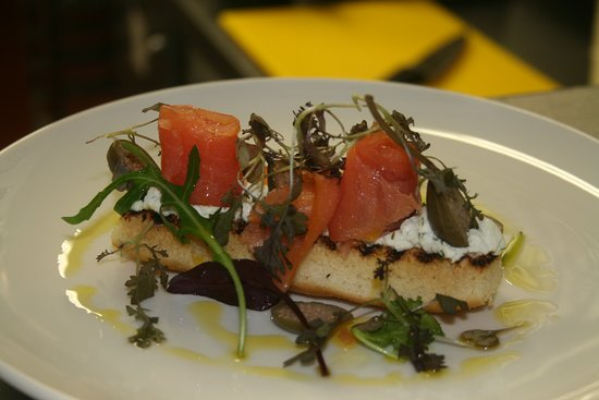 Athlone, Irland: Salmon on focaccia