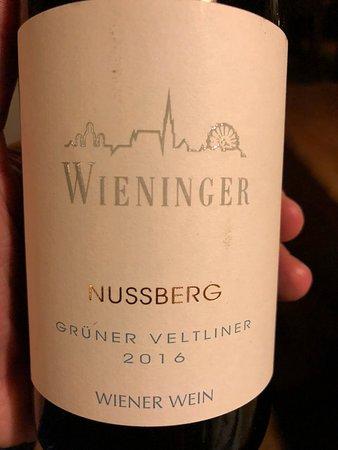 Stammersdorf, Áo: Grüner Veltliner Nussberg: Kenne keinen besseren GV aus der Region (front)