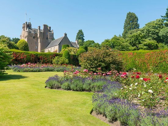 Crathes Castle, Garden & Estate, Banchory. © VisitScotland/Kenny Lam, all rights reserved.