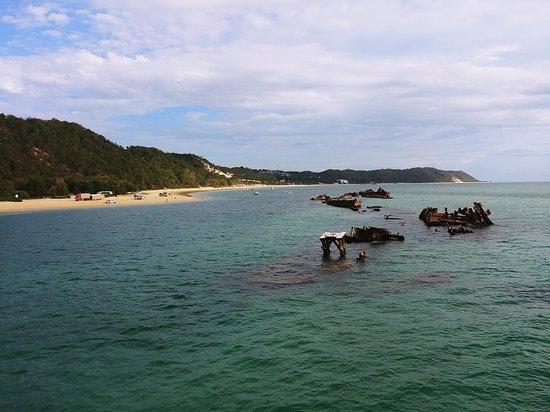 Moreton Island, Australië: The wrecks!