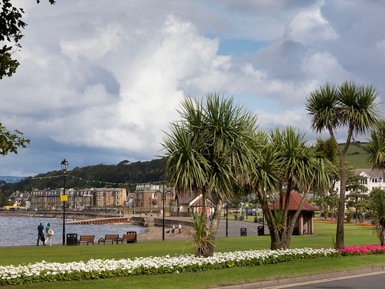 The esplanade at Largs, North Ayrshire. © VisitScotland, all rights reserved.