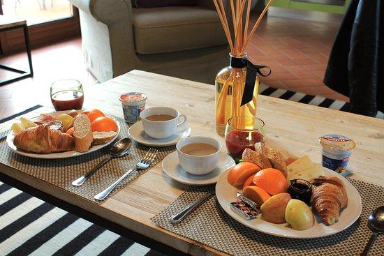 Grassina, إيطاليا: Breakfast in our villa