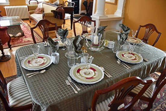 Stupendous Dining Table Set With Fine China And Silver Cutlery Download Free Architecture Designs Rallybritishbridgeorg