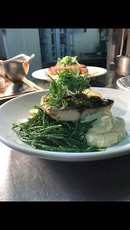 Staverton, UK: Hake dish, a chefs favourite!