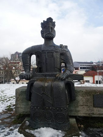 Spomenik Caru Lazaru Picture Of Lazarica Krusevac Tripadvisor