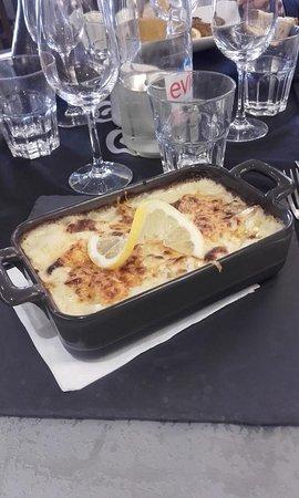 Malissard, Франция: Lasagnes aux poissons (excellent)