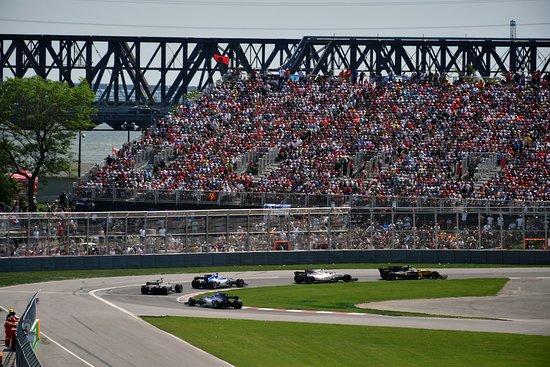 Montreal, Kanada: Le départ dans le virage Senna - It's a GO in the Senna Curve