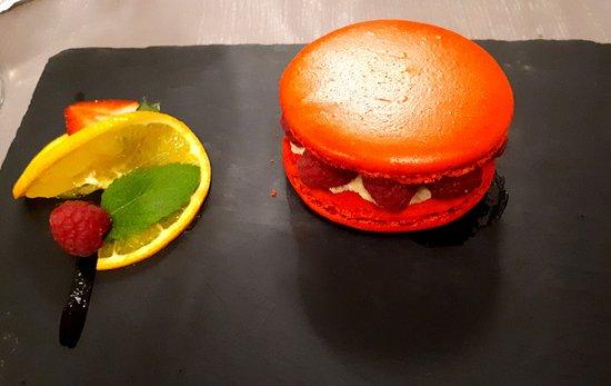 Bistrot des Uttins : Macaron framboises/fraise !
