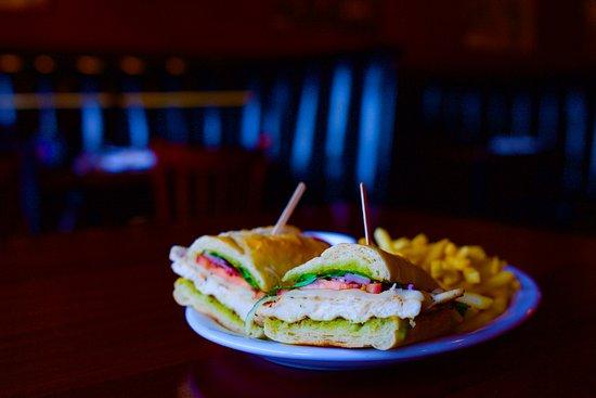 Elk Grove, CA: Pesto Chicken Sandwich