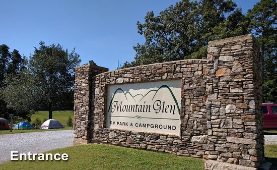 Pikeville, Τενεσί: Entrance to Mountain Glen RV Park & Campground