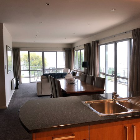 Lakeside Apartments: photo1.jpg