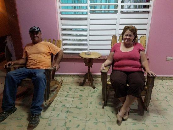 Villa Las Almendras: Clara y Roberto