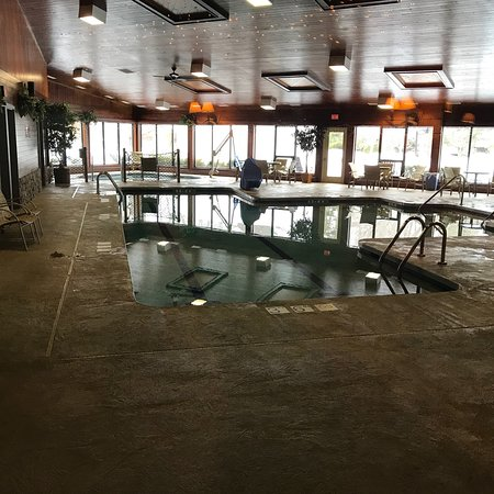 The Pointe Hotel & Suites: photo1.jpg
