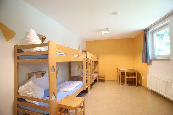 Mehrbettzimmer der Jugendherberge Albersdorf