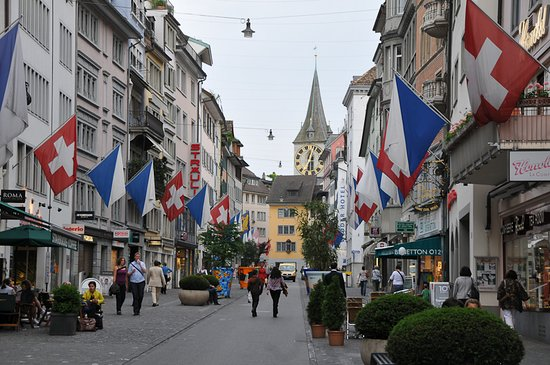 Zurich Old Town Walking Tour Wow Zurich Tours Zurich Traveller