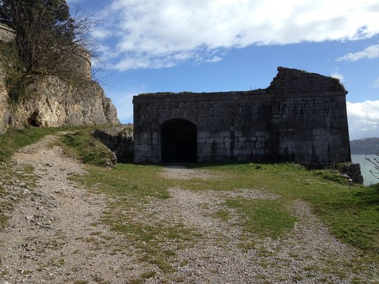 Santona, Spain: Fort structure on headland